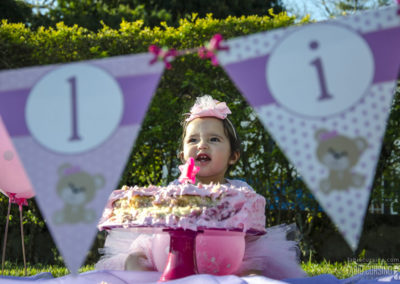 Júlia – Smash the Cake